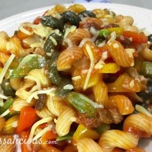 Lekkere Cajun pasta met paprika en sugar snaps
