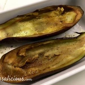 Uitgeholde aubergines
