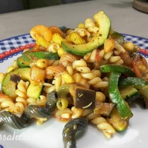 pasta met kikkererwten en courgette