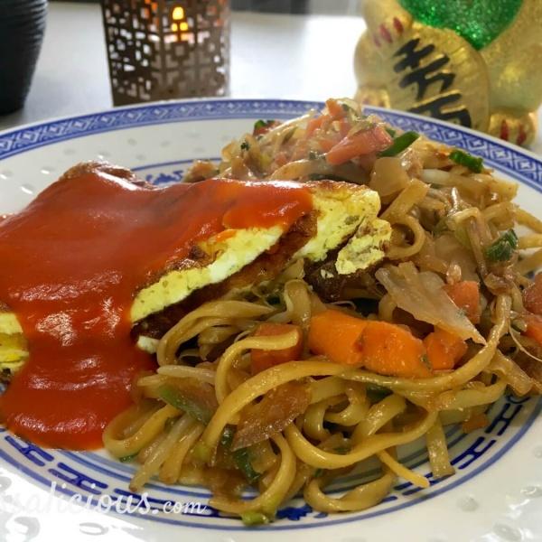 Lekkere Chinese omelet en zoete tomatensaus