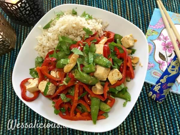 Thaise curry met zilvervliesrijst en tofu