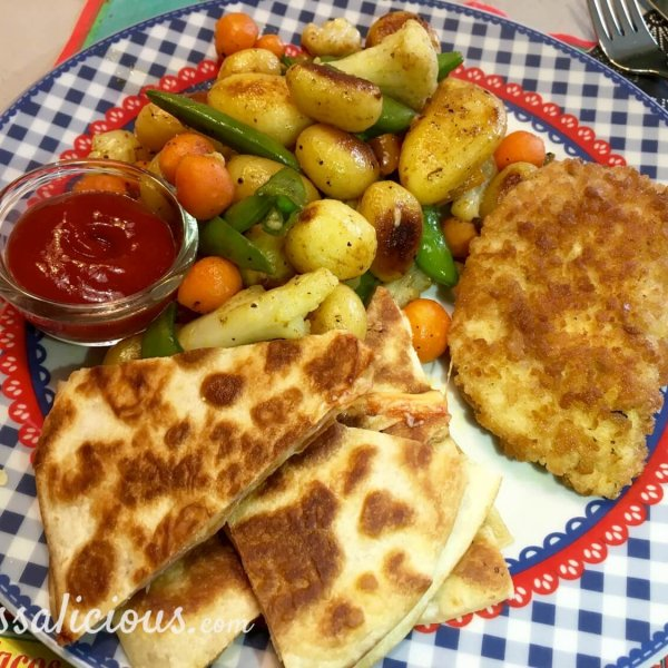 Cajun aardappelschotel met kaas quesadilla's