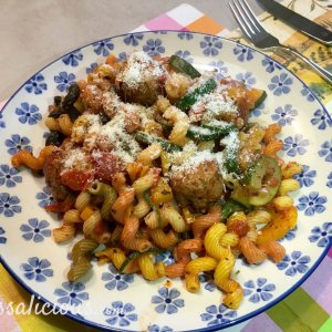 Kruidige pasta met courgette