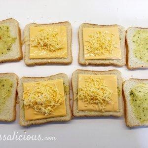 Kruidige Toast met cheddar voorbreiding