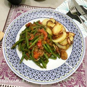 Eindresultaat Indonesische Satéschotel met sperziebonen en paprika