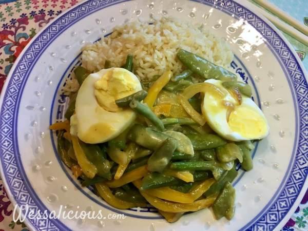 Thaise curry met sugar snaps en ei en curry