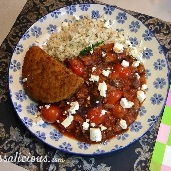 Lekkere Aubergineschotel met feta en rijst