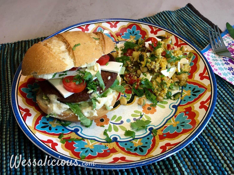 Marokkaanse hamburger met kruidige couscous