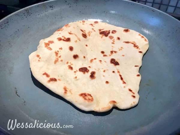naan bakken in de pan