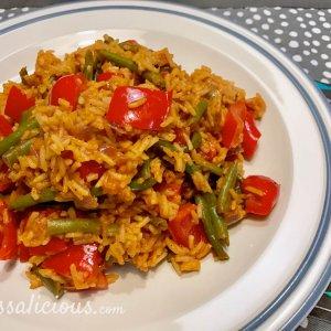 vegetarische Pilav met sperziebonen