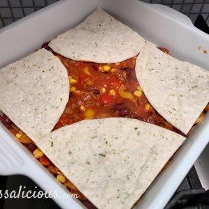 Mexicaanse lasagne opbouwen