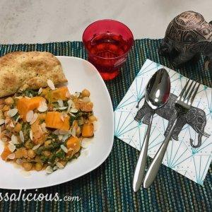 Indiase curry met zoete aardappel en kikkererwten