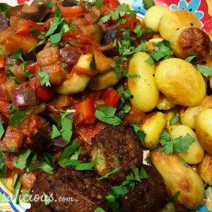 Eindresultaat Râs al hânout aardappeltjes met falafel