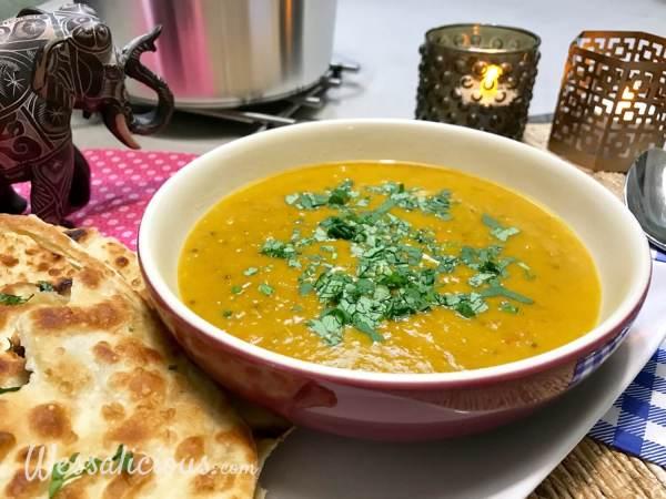 Dahlsoep (Indiase linzen soep) met naan