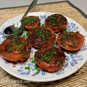 Gekarameliseerde Geroosterde tomaten met honing en tijm