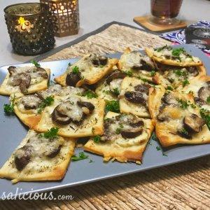 Lekkere mini pizza's met geitenkaas en champignons