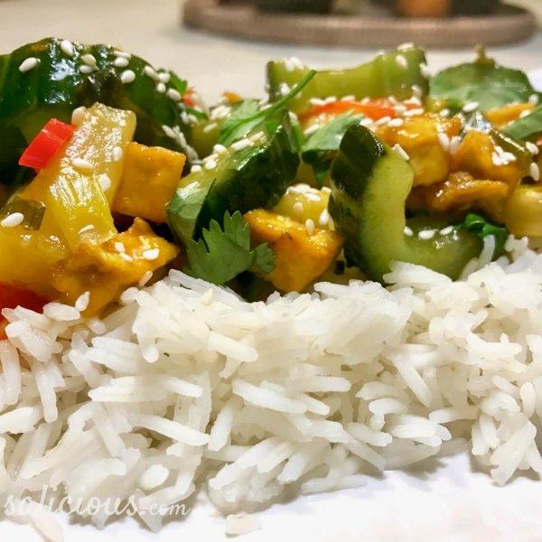 Thaise roerbakschotel met knoflook en koriander
