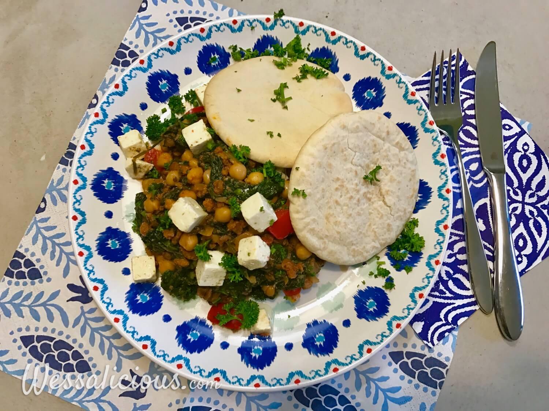 Griekse kikkererwtenstoof met spinazie