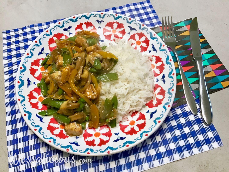 Oosterse groenteschotel met knoflook