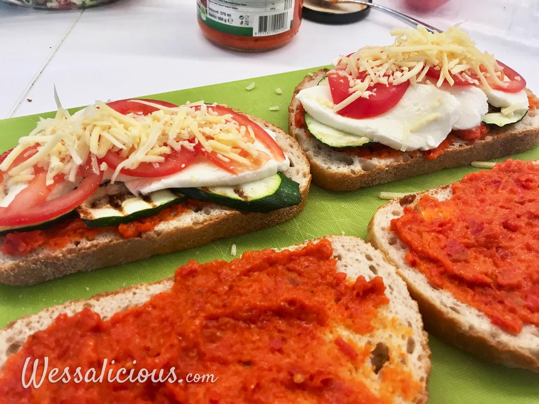 voorbereiding panini met courgette