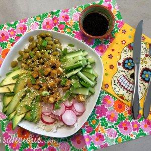 Vegetarische Poké bowl met tofu
