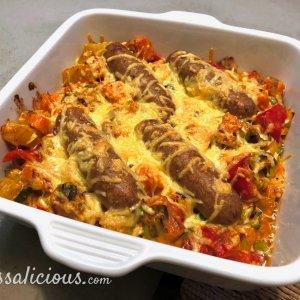 Zoete aardappel ovenschotel met prei en vegetarische worst