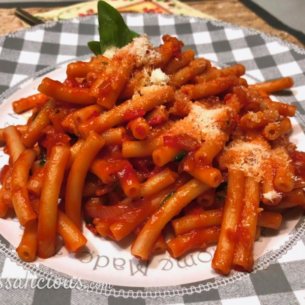 Pasta all'Arrabiata (pittige pastasaus)