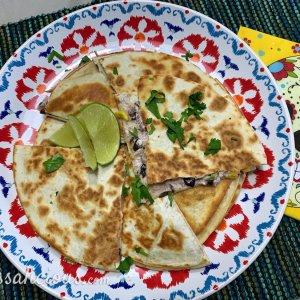Geitenkaas Quesadilla's met zwarte bonen