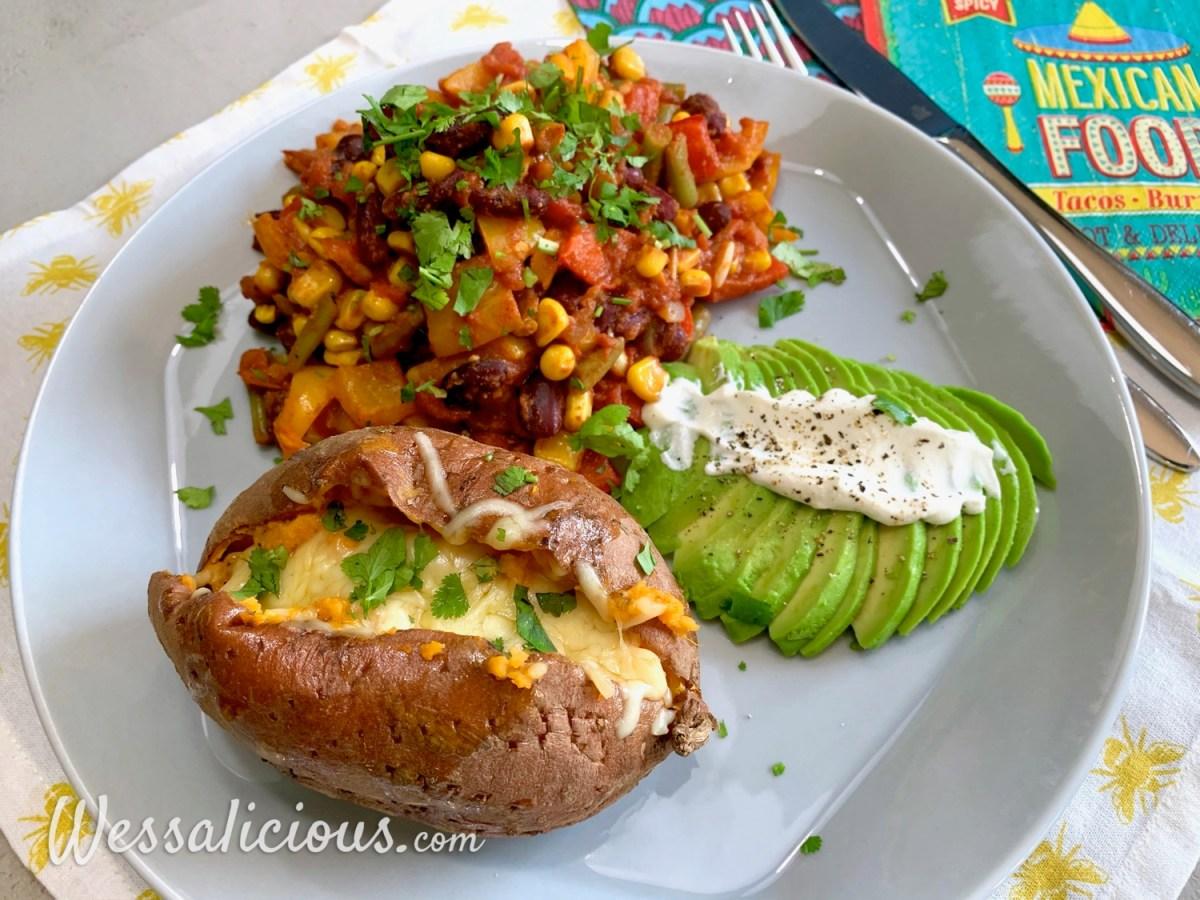 Mexicaanse Fiesta met gepofte zoete aardappel en kaas