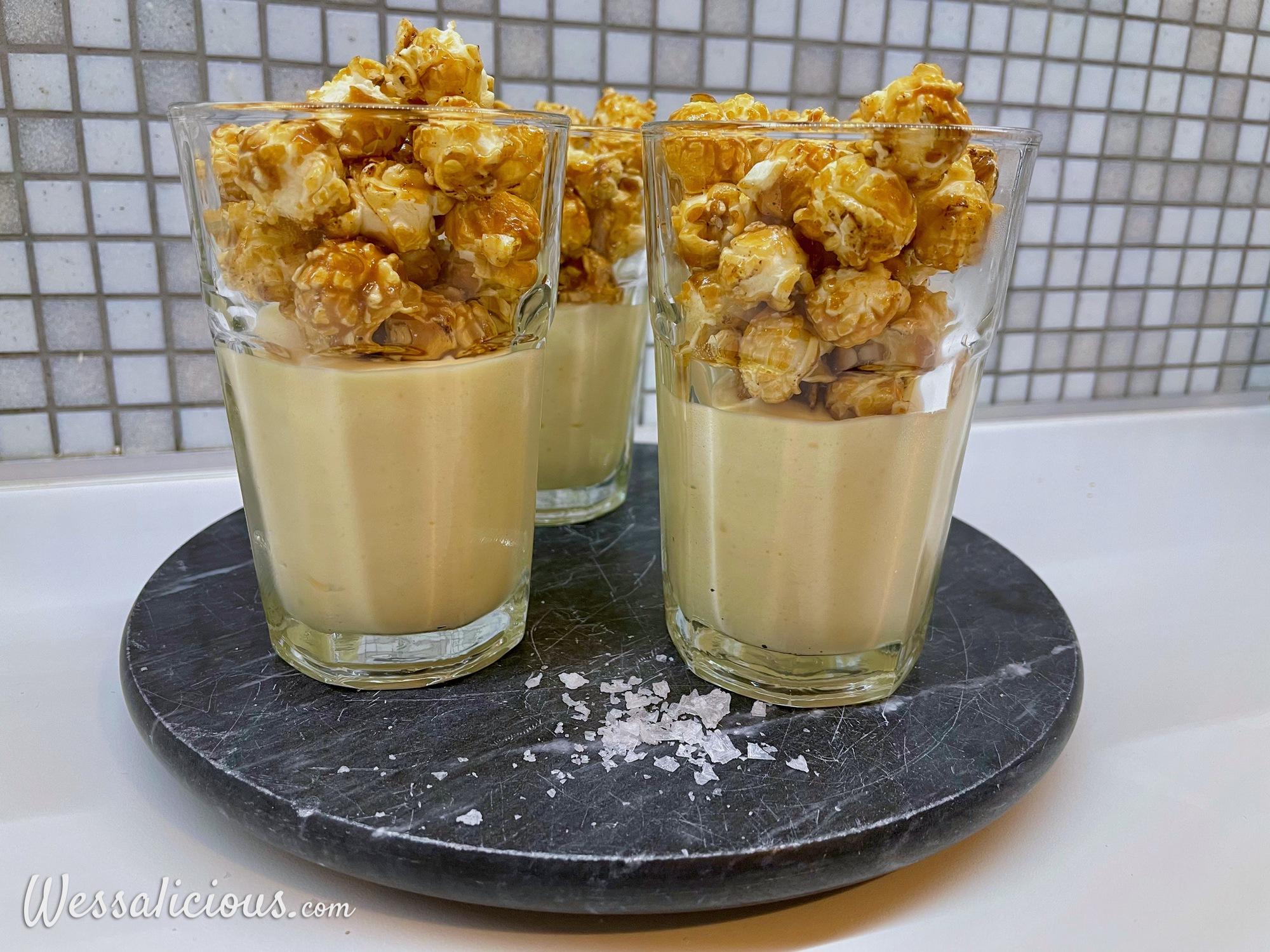 Witte chocolade tiramisu met karamelzeezout popcorn