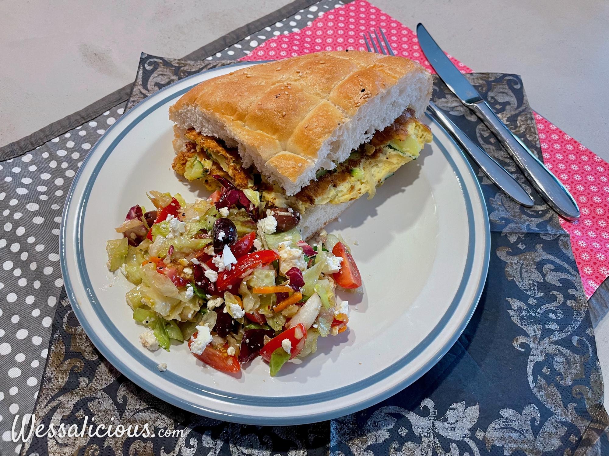 Turks brood met courgette-omelet