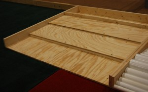 Containment area blocked by wood planks (Stepped Containment Area - SCA)