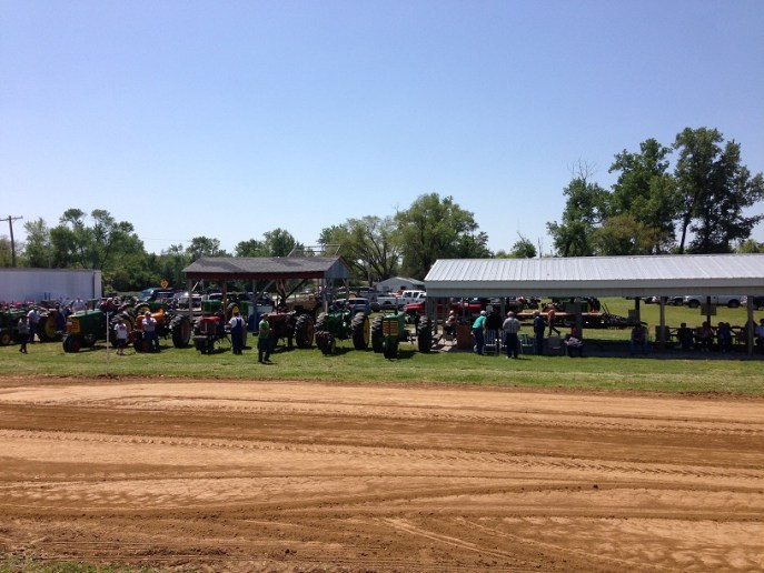 Rivers Point Tractor Pulling Association pull at West Alton Park on 5/18/2014