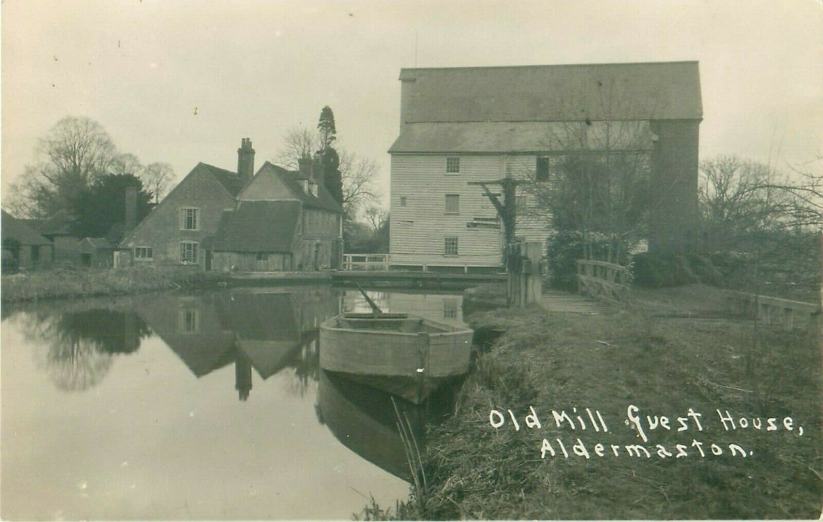 RP-ALDERMASTON-OLD-WATERMILL-MILL-GUEST-HOUSE-REAL