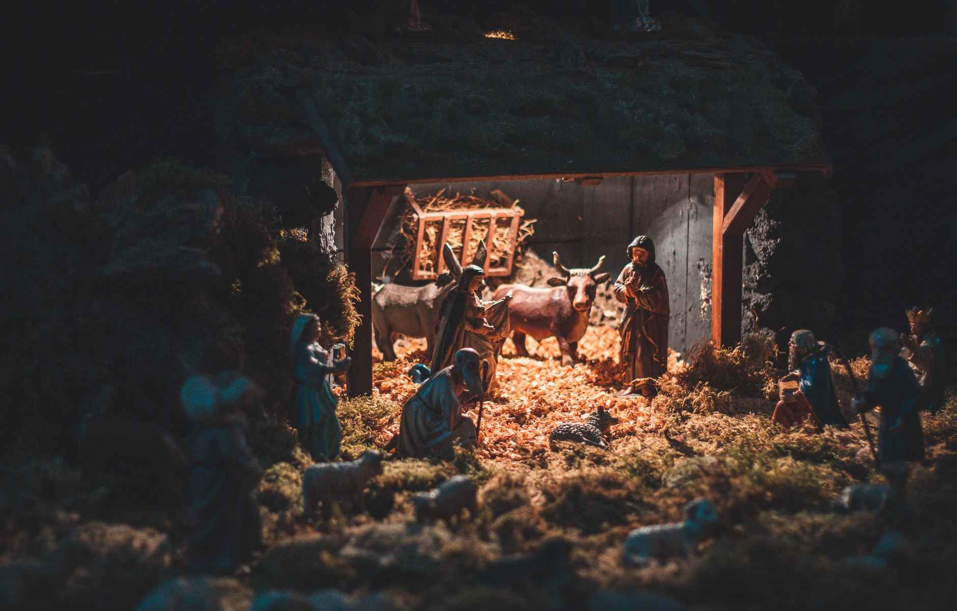 small toys showing birth of christ