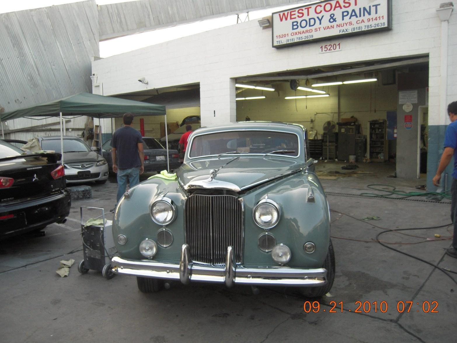 west-coast-body-and-paint-1956-jaguar-mkix-44
