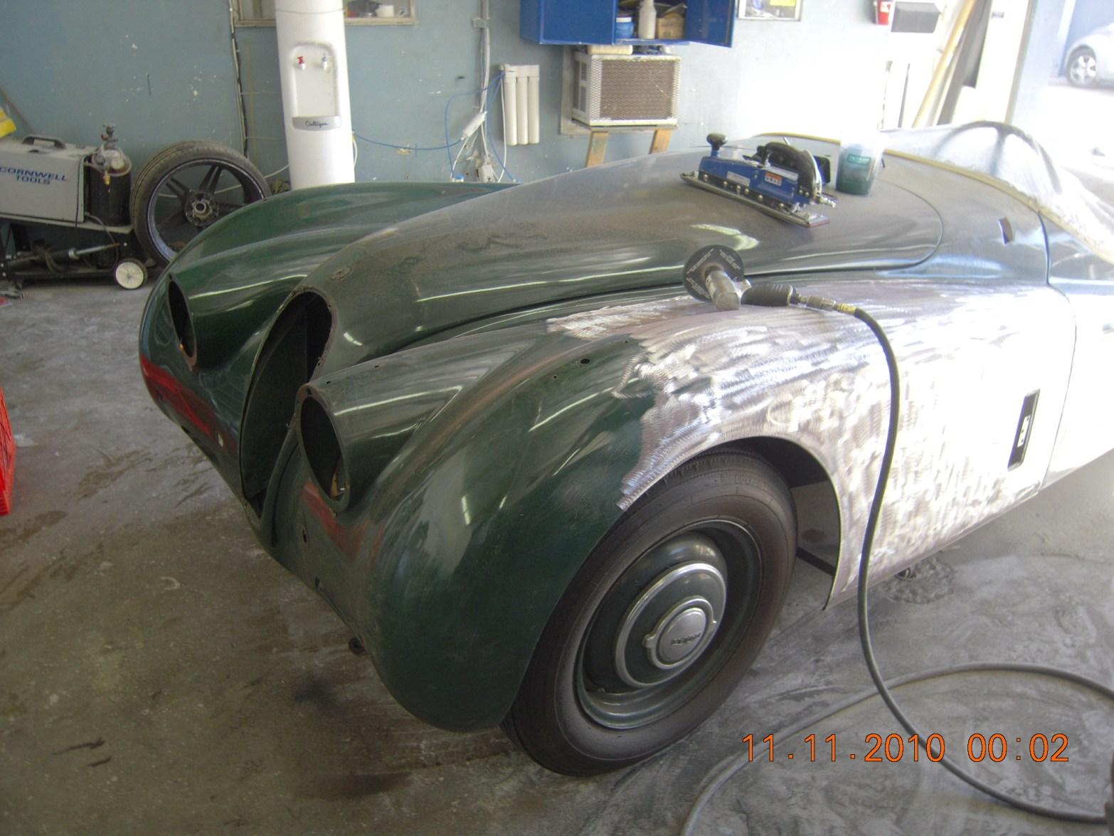 west-coast-body-and-paint-green-1950-jaguar-xk120-15