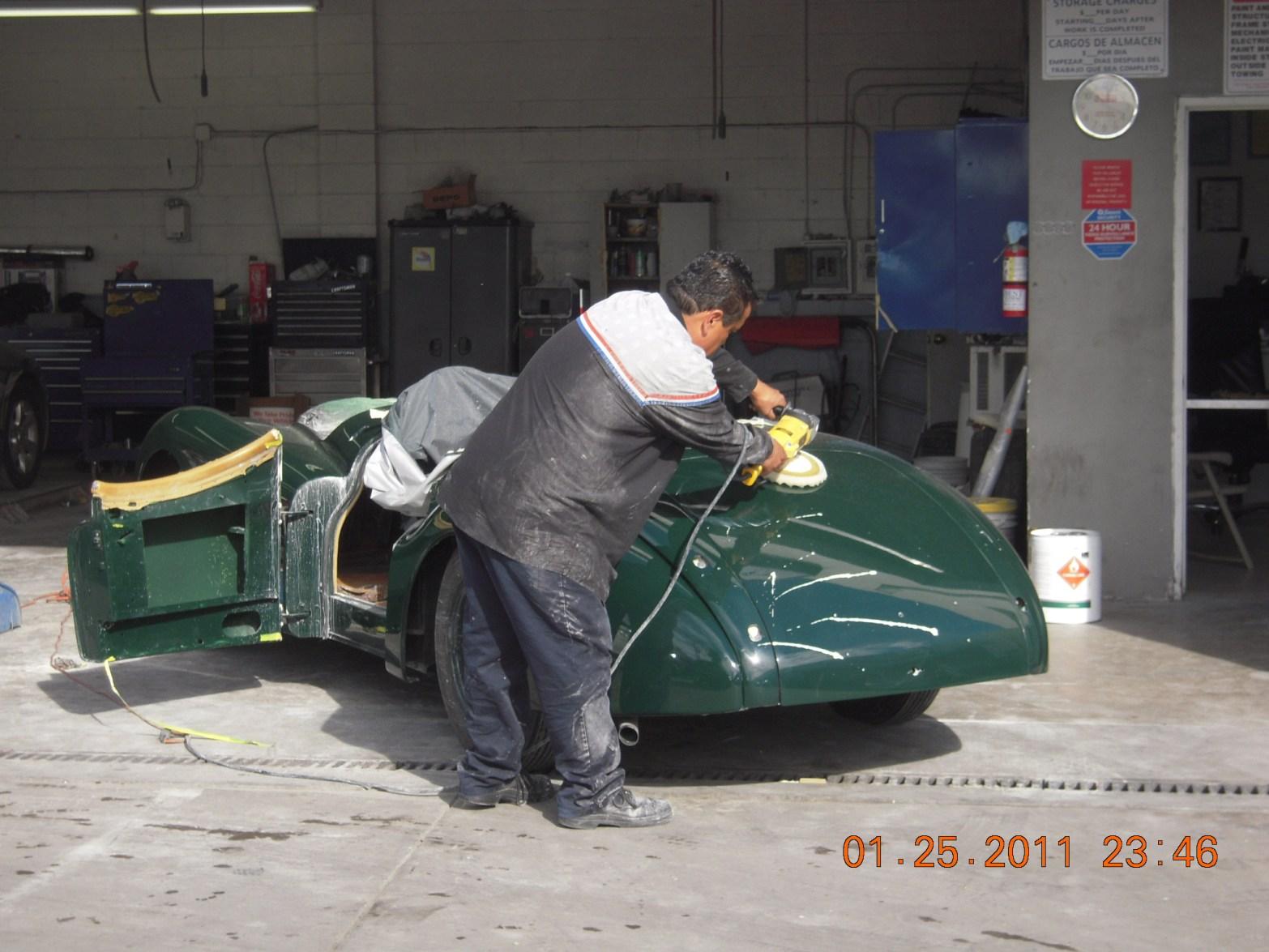 west-coast-body-and-paint-green-jaguar-xk120-19