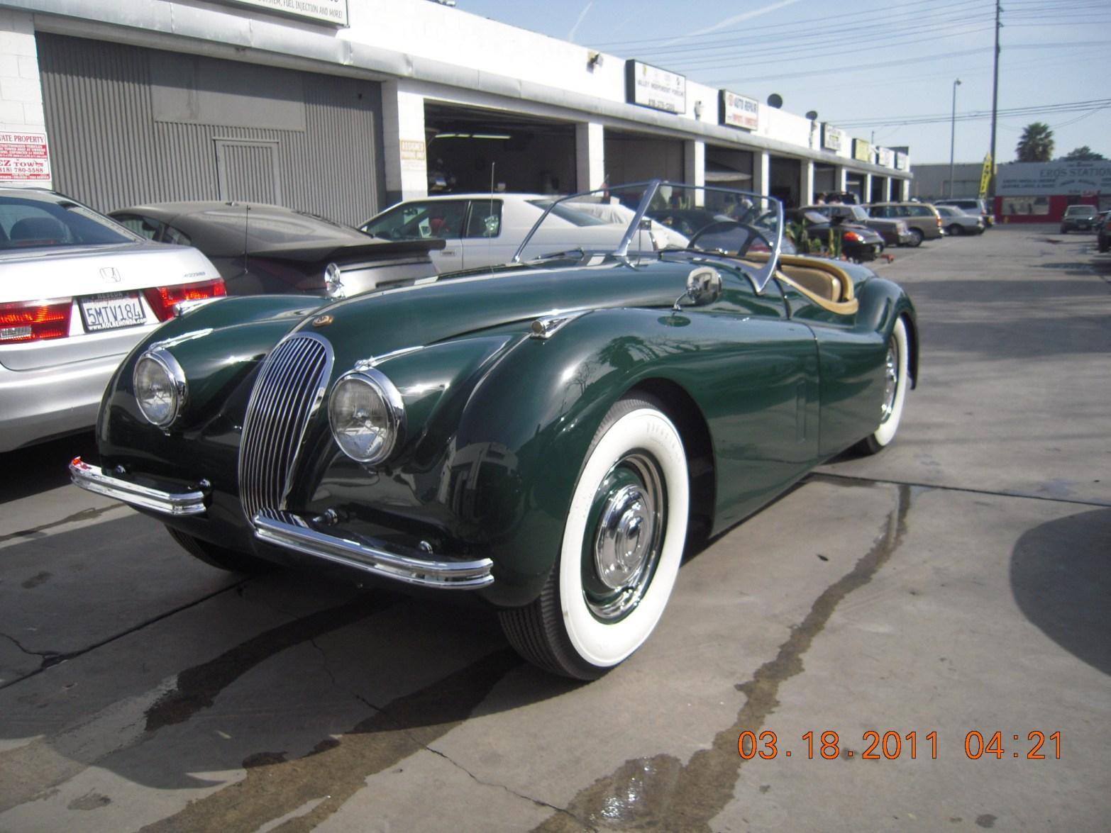 west-coast-body-and-paint-green-jaguar-xk120-34