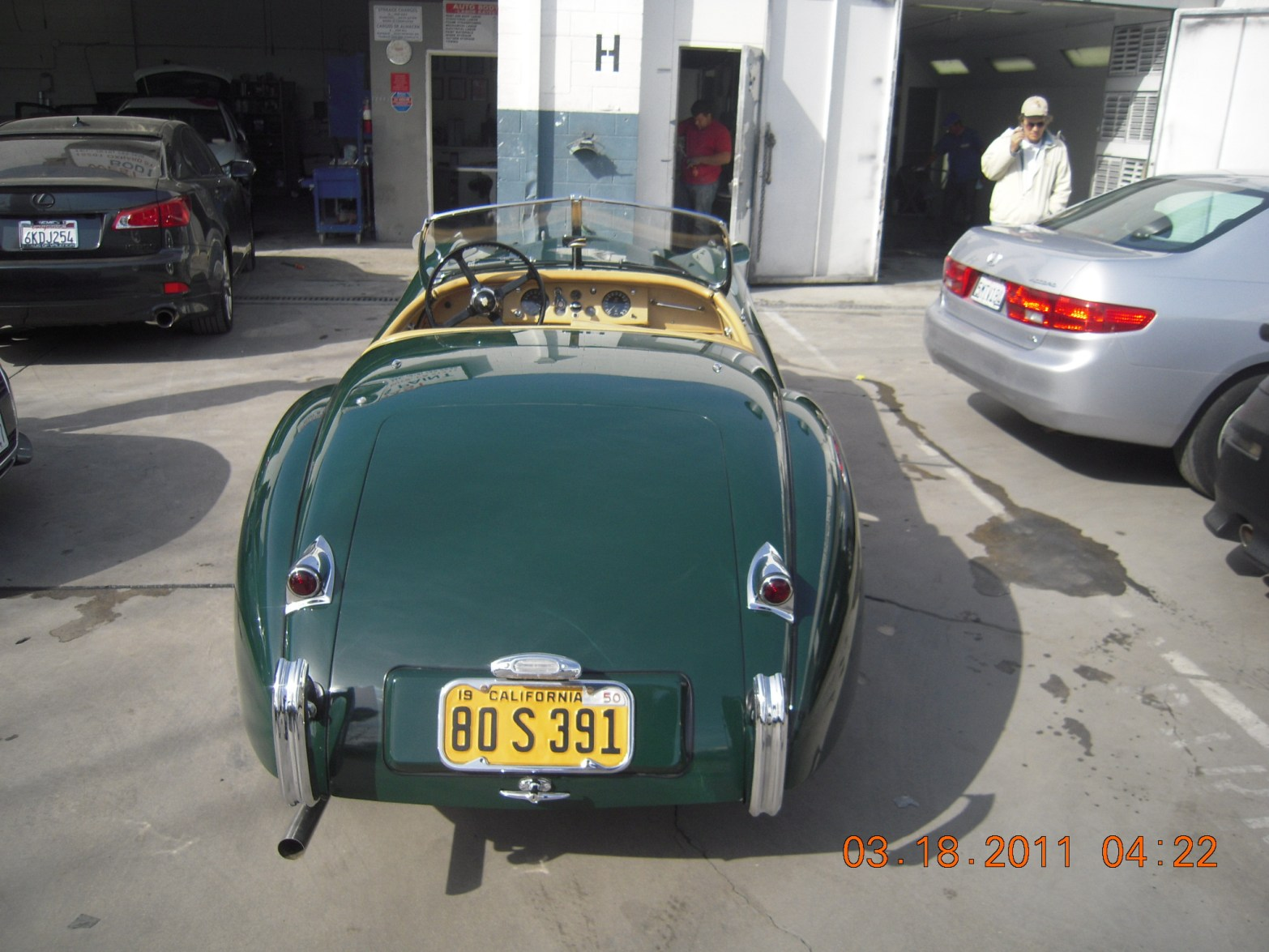 west-coast-body-and-paint-green-jaguar-xk120-38