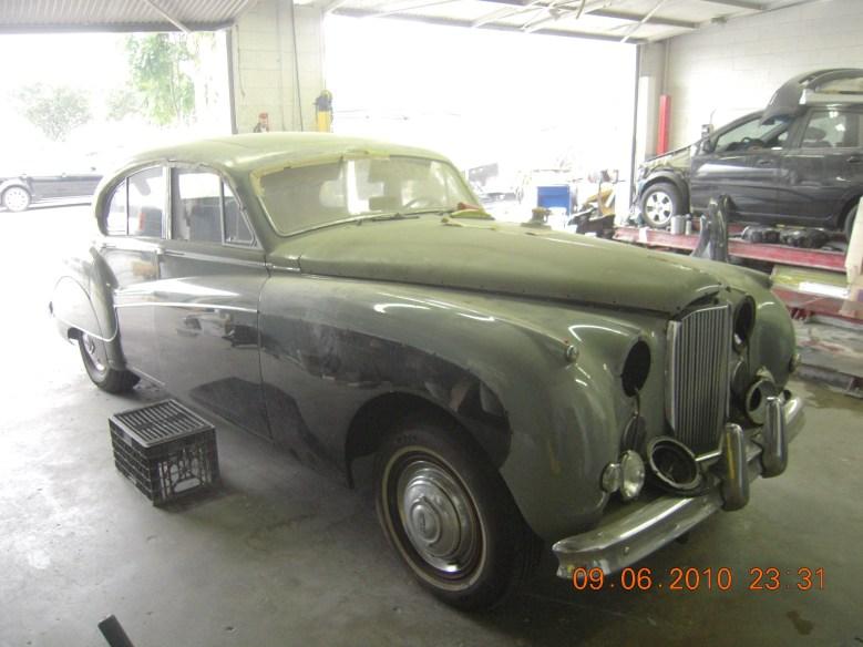 West-Coast-Body-And-Paint-1956-Jaguar-MKIX (9)