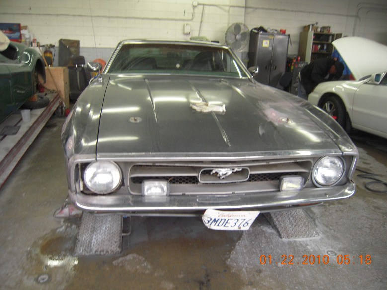 West-Coast-Body-And-Paint-1971-Mustang-Mach-1-Gray (2)