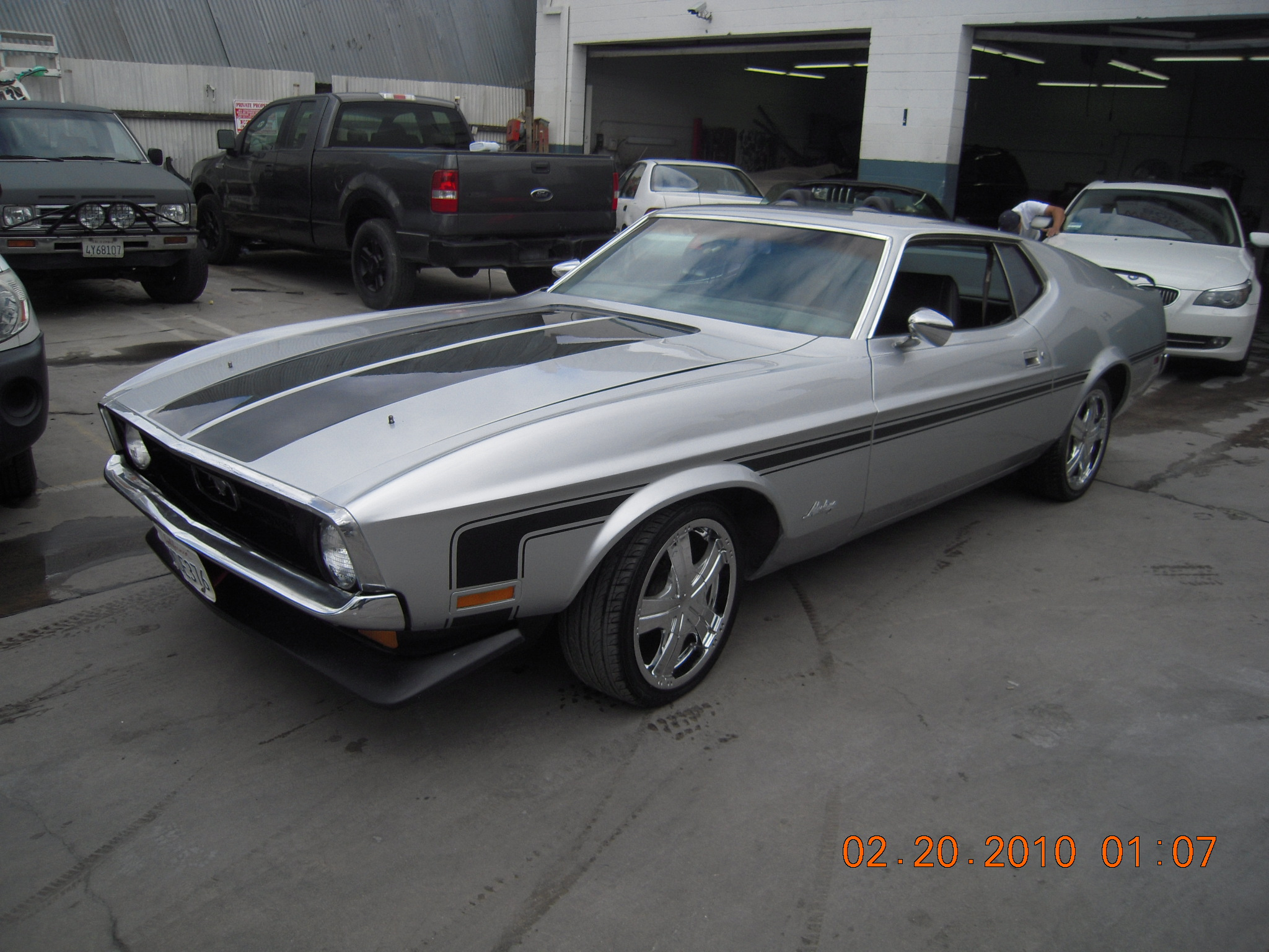 West-Coast-Body-And-Paint-1971-Mustang-Mach-1-Gray (37)