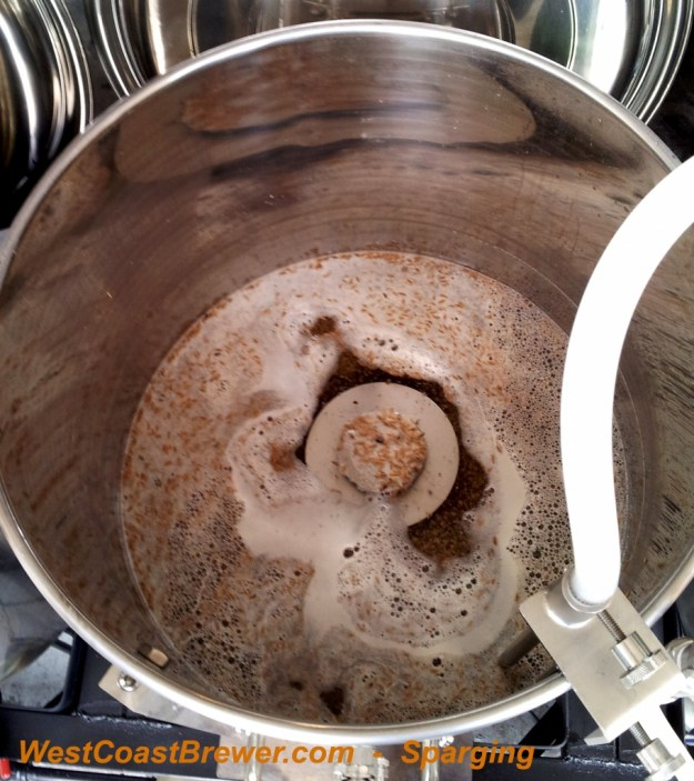 Sparging in the mash tun, while wort is transferred to the boil kettle.