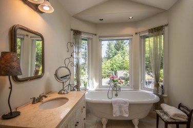 110-Douglas-Salt-Spring-Real-Estate-Photography-6