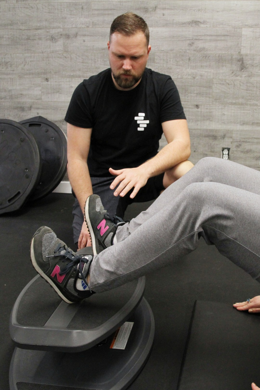kinesiologist doing active rehab for icbc injuries