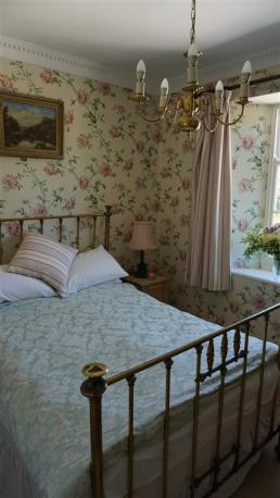Rose Room , Double brass bed