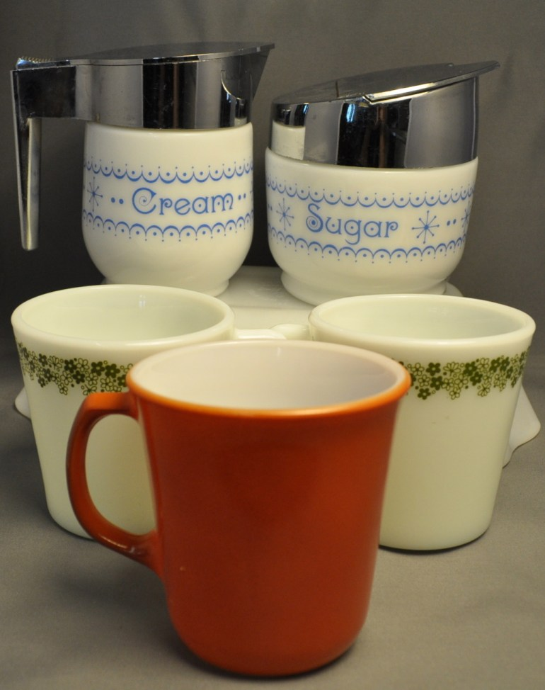vintage classic Pyrex for your coffee break