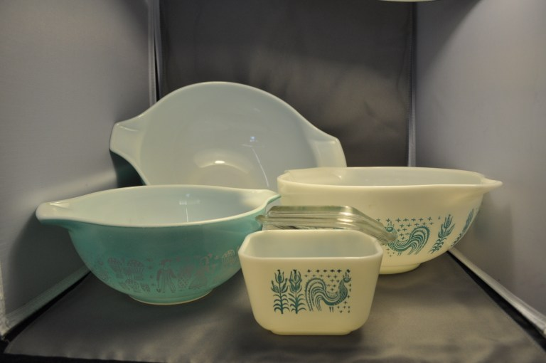 vintage blue and white Pyrex mixing bowls