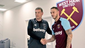 Hammers complete Arnautovic signing